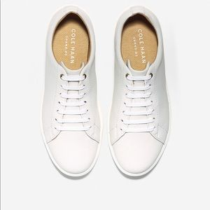 White Leather Sneakers grand crosscourt size 7B